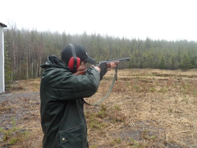 Inte ska väl Fredrik måsta skjuta fåglarna som jag och Hagel finner?