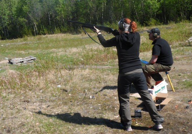 Här är jag in action. Det är för himla kul att skjuta – särskilt när det går bra.